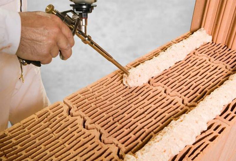 Revolution Mauermortel Aus Der Schaumdose Dryfix Mauerziegel Klebesystem Bauschaum Fur Plangeschliffene Ziegel
