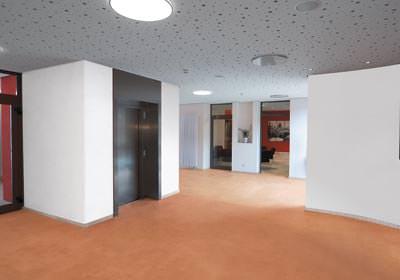 farbiger estrich. Black Bedroom Furniture Sets. Home Design Ideas