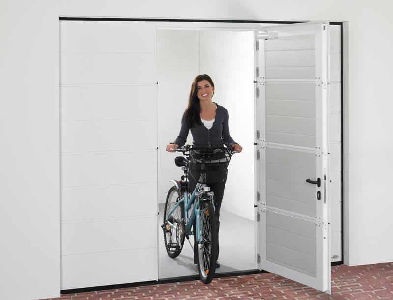 garagen sektionaltore mit schlupft r und. Black Bedroom Furniture Sets. Home Design Ideas
