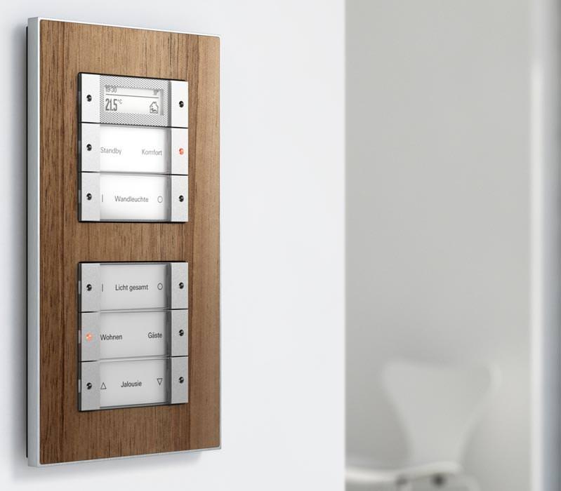 Aluminium ergänzt Giras Schalterserie Esprit aus Echtmaterialien ...