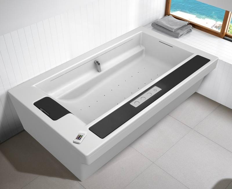 das badezimmer von morgen aus der sicht von roca badewanne in flow hide seat hydro. Black Bedroom Furniture Sets. Home Design Ideas