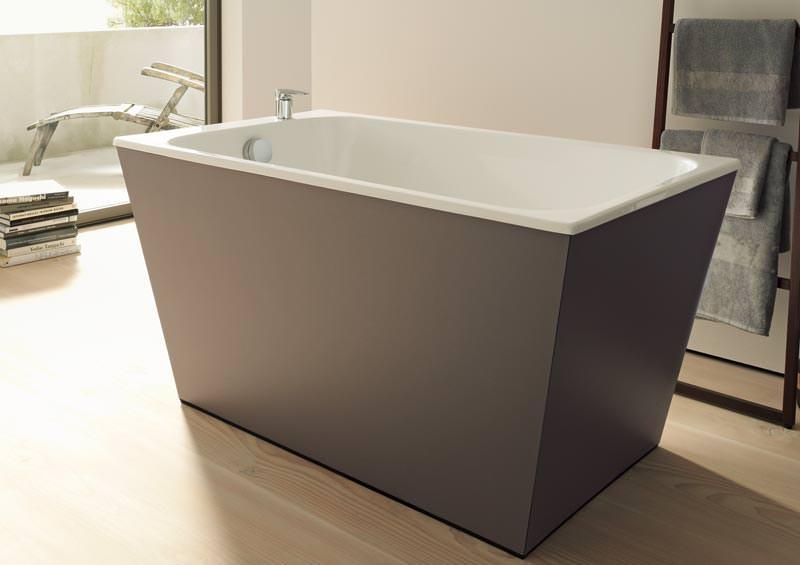 neue badserie von duravit verkehrt konsole und keramik. Black Bedroom Furniture Sets. Home Design Ideas