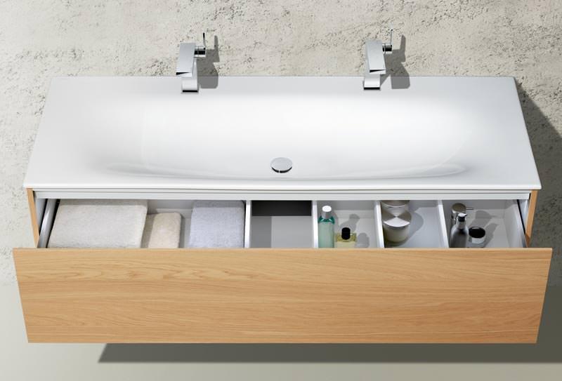 keuco edition 11 setzt auf formale reduziertheit und. Black Bedroom Furniture Sets. Home Design Ideas