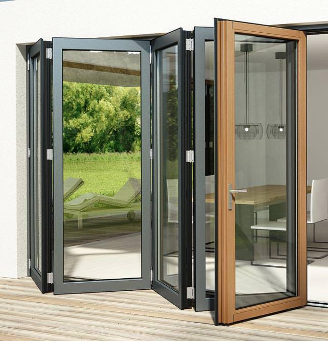 passivhaustaugliche glas faltwand sl 97 von solarlux gro e terrassent r fenstert r nach. Black Bedroom Furniture Sets. Home Design Ideas