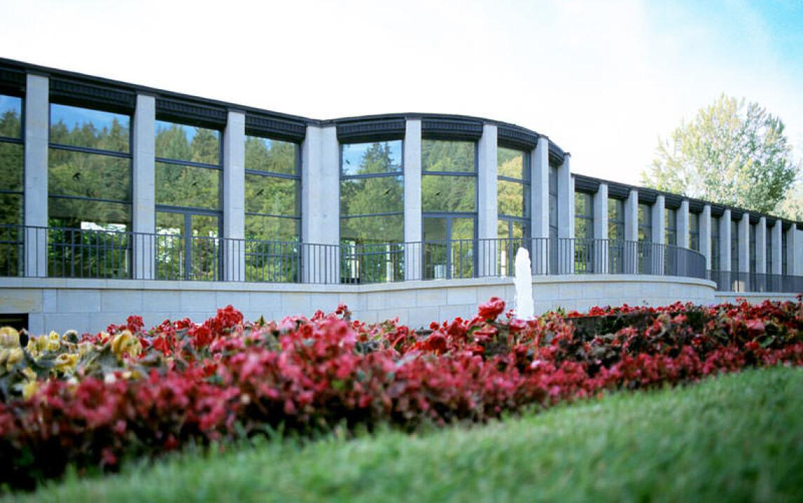 KunstWandelhalle Bad Elster, Schaltbares Sonnenschutzglas