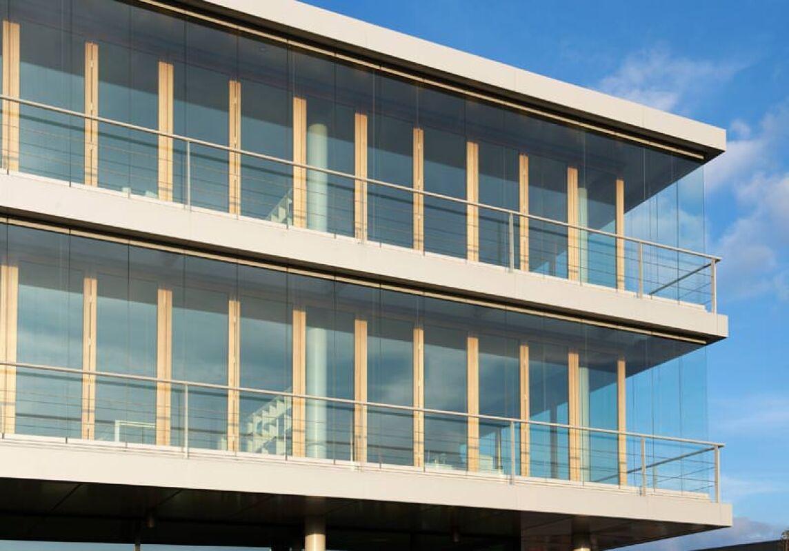 low tech co2mfort fassade f r anspruchsvolle architekturideen doppelfassade mit holz glas. Black Bedroom Furniture Sets. Home Design Ideas