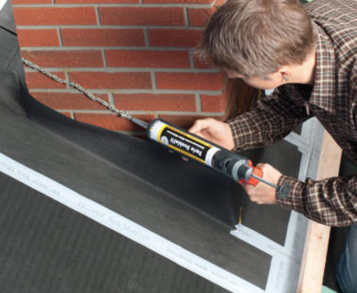 Vario DoubleFit für luftdichte Anschlüsse von Dampfbremsen auf bauüblichen Untergründen