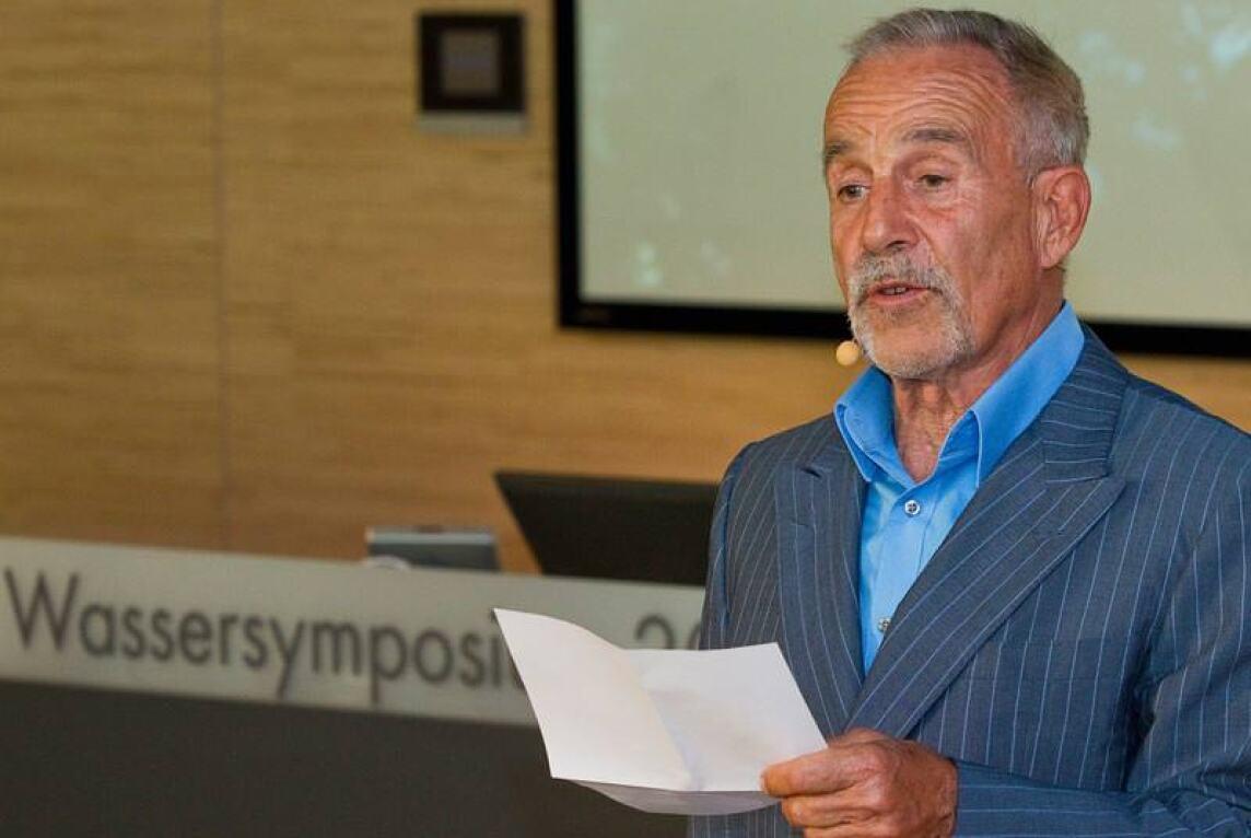 'Es ist Zeit für die Wasserwende' - Aufsichtsratschef Klaus Grohe stimmte die Zuhörer thematisch ein.