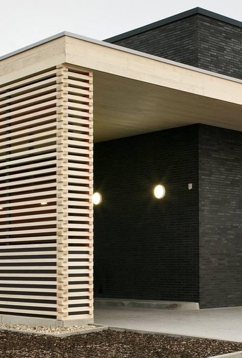 technisch modifiziertes holz akzentuiert workwearstore. Black Bedroom Furniture Sets. Home Design Ideas