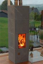 Kaminofen mit aufgesetzter Abgasanlage / Schornstein