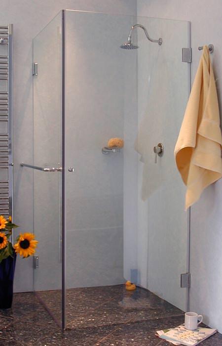 Neue Combia Duschkabinen Serie Mit Fugenbundigen Glasaussenkantenmassen