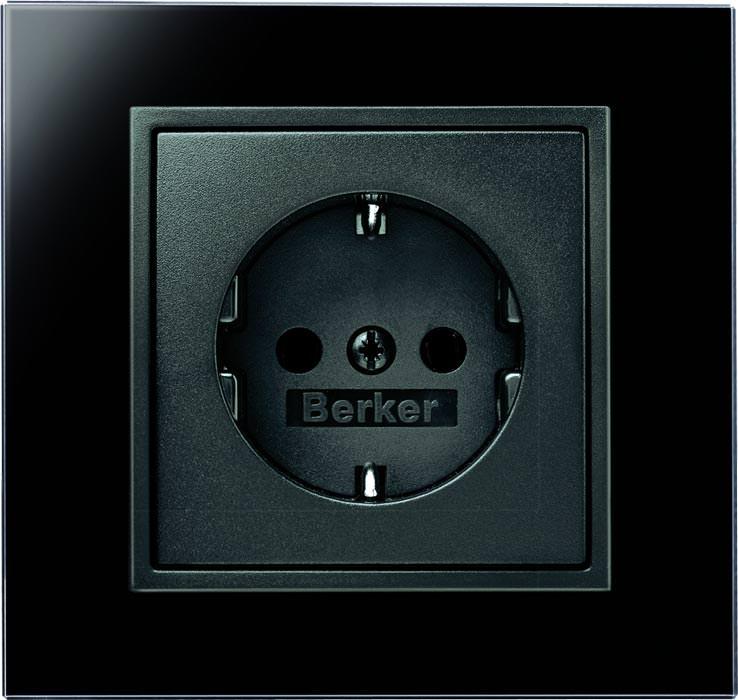 berker erweitert und harmonisiert seine schalter und. Black Bedroom Furniture Sets. Home Design Ideas
