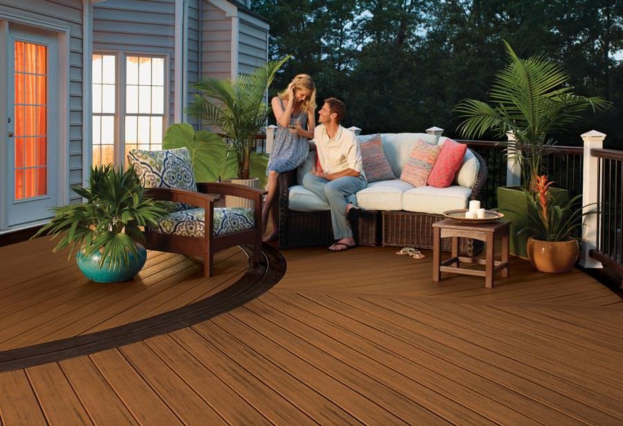 trex bringt terrassendielen aus recyceltem holz und. Black Bedroom Furniture Sets. Home Design Ideas
