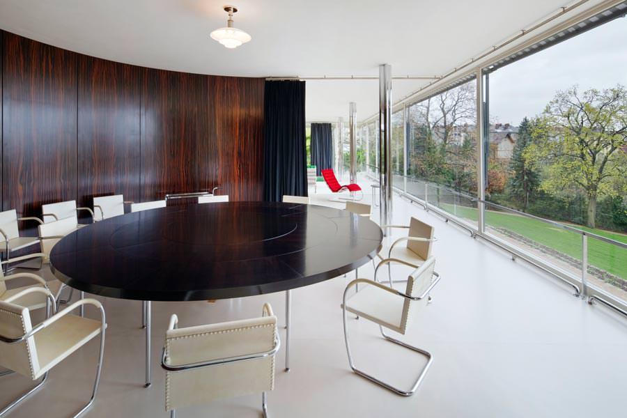 villa tugendhat kleiner rundgang durch die ikone moderner. Black Bedroom Furniture Sets. Home Design Ideas