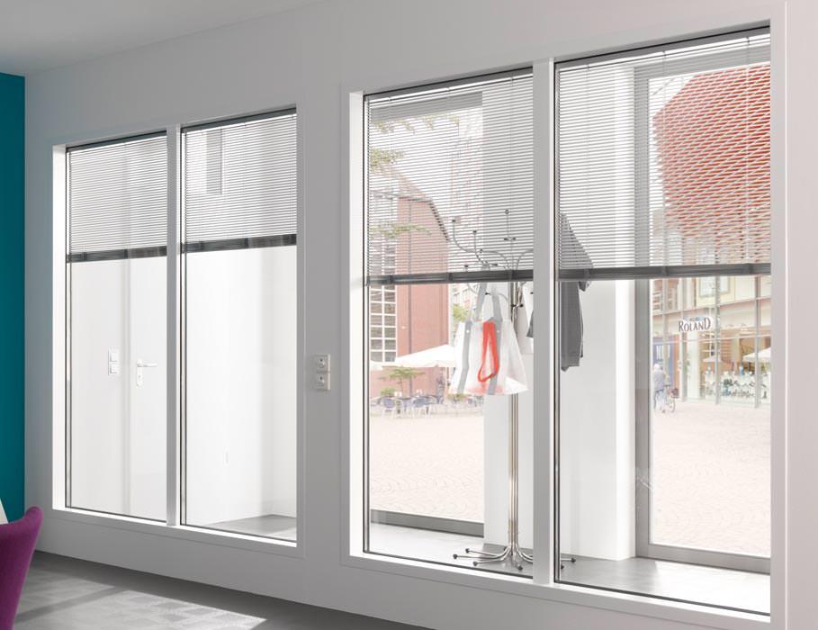 rollos und jalousien im durchblickfensterprogramm von h rmann. Black Bedroom Furniture Sets. Home Design Ideas