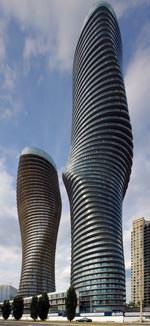 die 179 Meter und 161 Meter hohen Türme der 'Absolute Towers' (Missisauga) von MAD architects, Peking