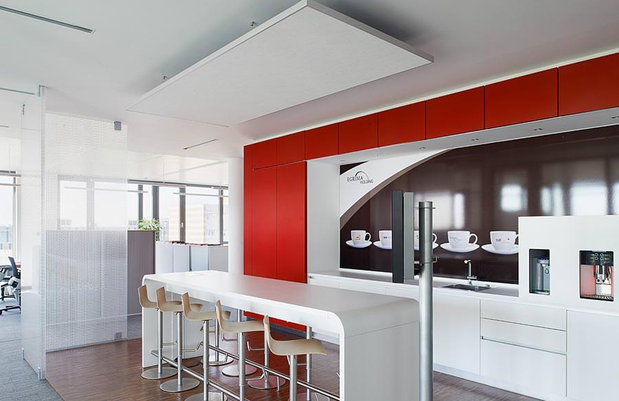optimierte raumakustik im open space b ro u a mit trennw nden aus wabenkunststoff. Black Bedroom Furniture Sets. Home Design Ideas