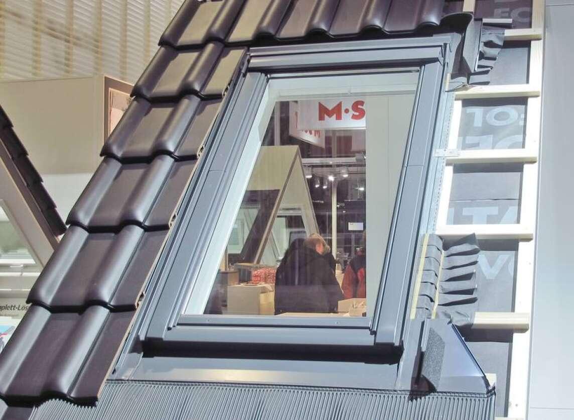 neue dachfenster generation von velux als weltpremiere vorgestellt neues dachfenster mit. Black Bedroom Furniture Sets. Home Design Ideas