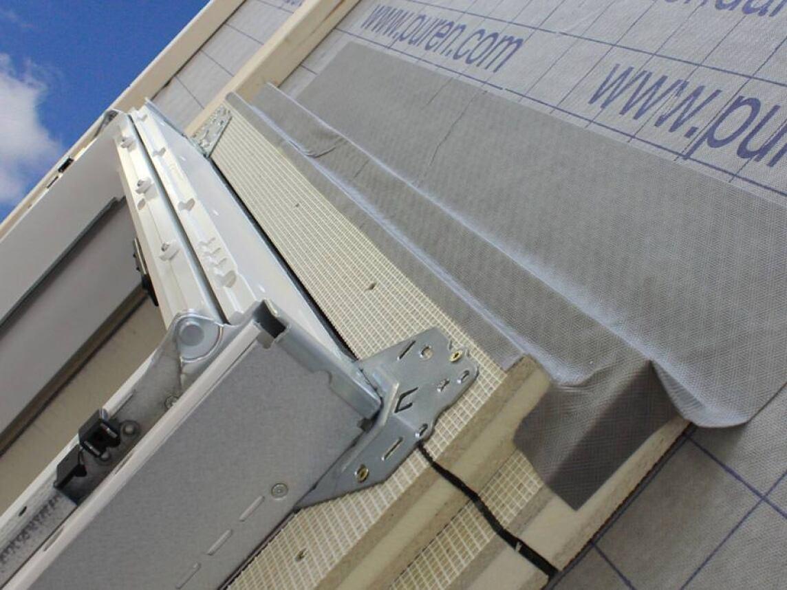 purenit d mmzarge verspricht dichten und w rmebr ckenfreien dachfensteranschluss. Black Bedroom Furniture Sets. Home Design Ideas