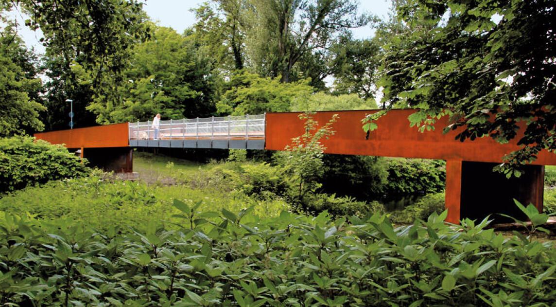Die Brücke an der Himmelsleiter in Opladen ist mit dem Stahl-Innovationspreis 2012 ausgezeichnet worden.