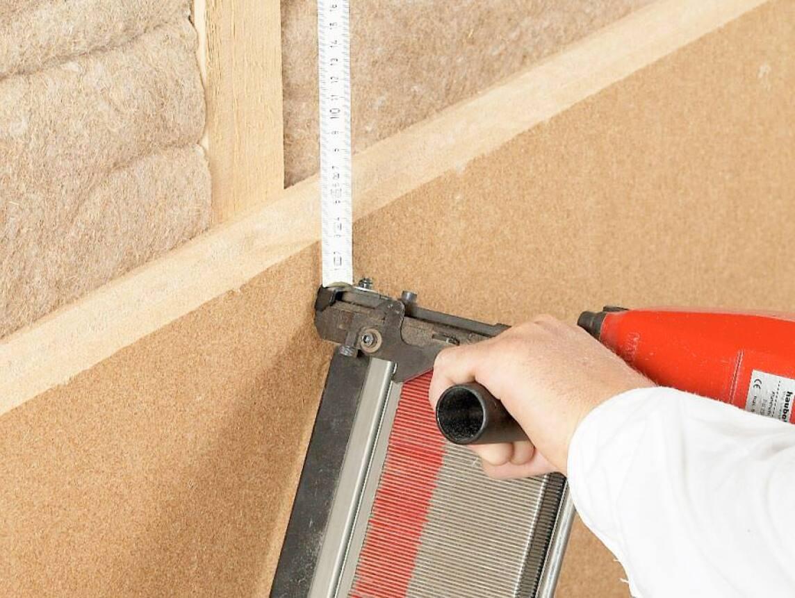 Klammerbefestigung von Holzweichfaser-Dämmplatten