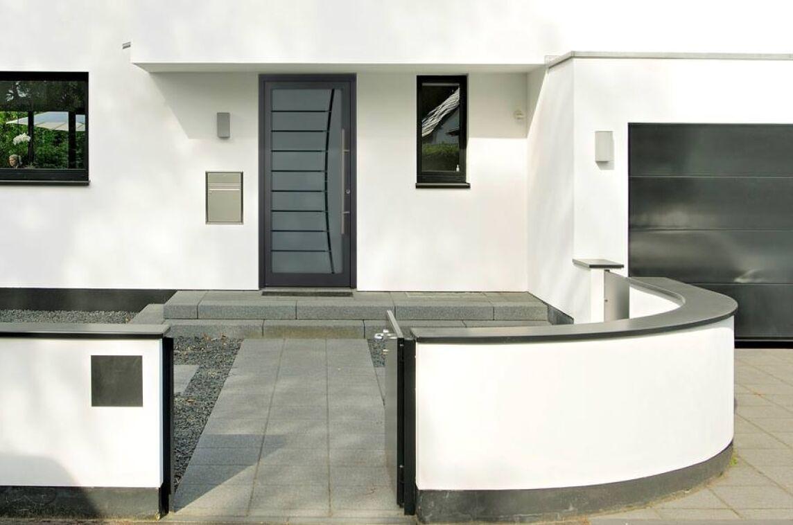 neue motivgl ser f r h rmann aluminium haust ren. Black Bedroom Furniture Sets. Home Design Ideas
