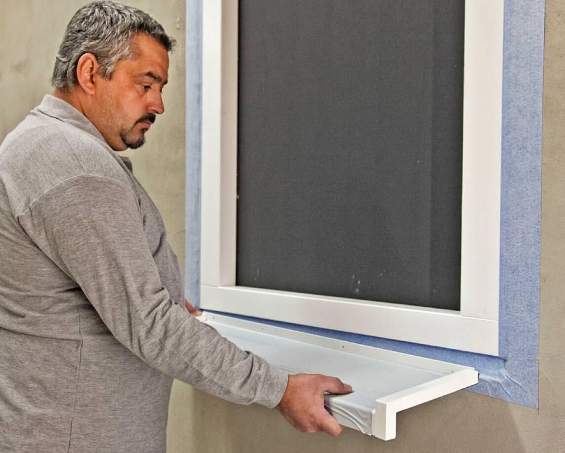 Fensterbank mit Pufferzone vermeidet Spannungsrisse und Abplatzungen