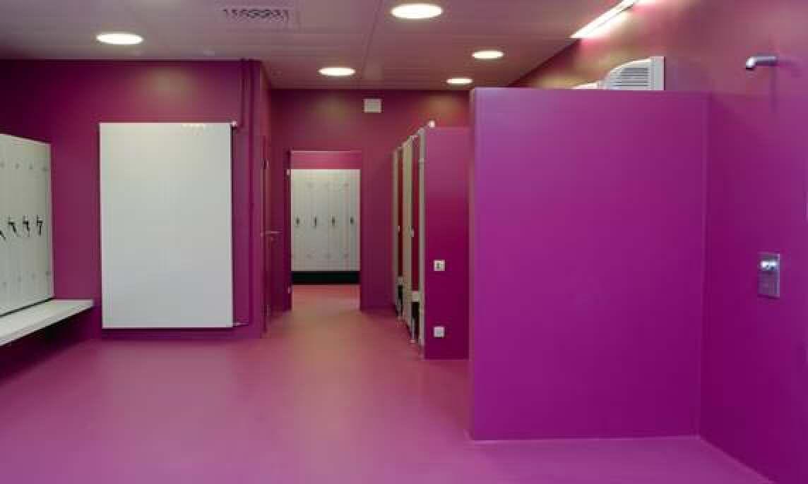 violette Performance Flooring Wandbeschichtung