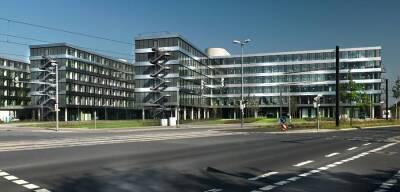 Das am 30. September 2011 fertiggestellte Gebäude fällt vor allem durch seine offen, lichte Bauweise und seine schlichte elegante Ästehtik auf. Am HDI-Platz 1 haben die Gesellschaften Talanx Deutschland AG, Talanx International AG, Talanx Service AG, Talanx Systeme AG, HDI-Gerling Industrie Versicherung AG, HDI-Gerling Vertrieb Firmen und Privat AG und der Schadenschutzverband GmbH ihren Sitz