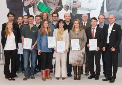 """Preisträger und Organisatoren des Innovationswettbewerbs """"Hauseingänge der Zukunft"""""""