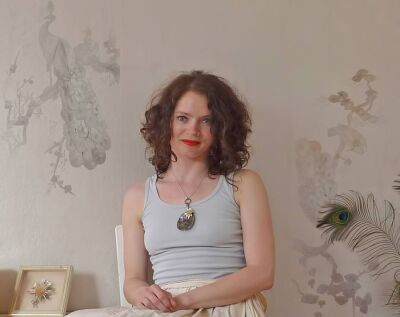 Katja Behre ist HAWK-Absolventin und hat an der Fakultät Gestaltung in Hildesheim Farb-Design studiert.