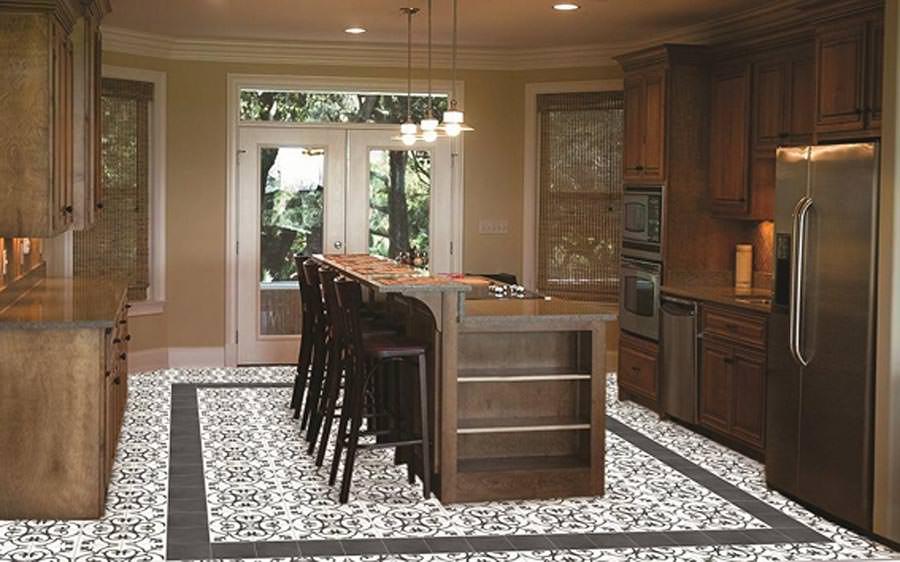 neu feinsteinzeugfliesen im historischen. Black Bedroom Furniture Sets. Home Design Ideas