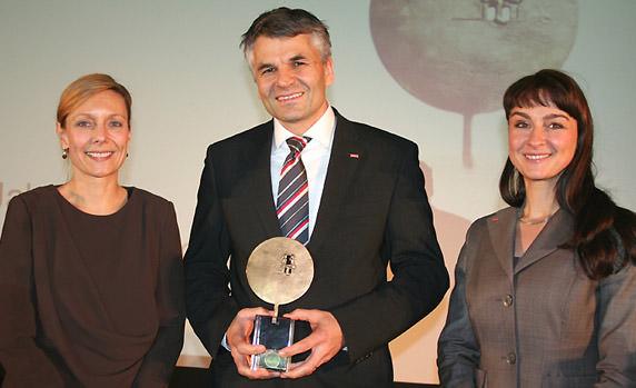 Dr. Sebastian Dresse (Velux Geschäftsführer), Petra Schumacher (Marketing) und Astrid Unger (PR)