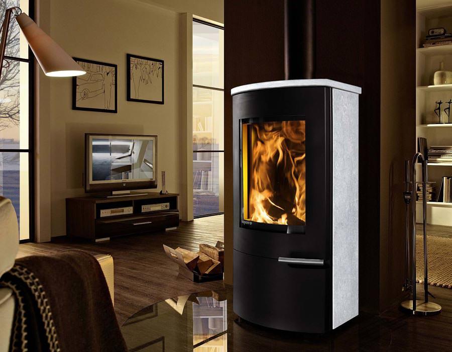 kaminofen mit wartungsfreiem wasser w rmetauscher gerola. Black Bedroom Furniture Sets. Home Design Ideas