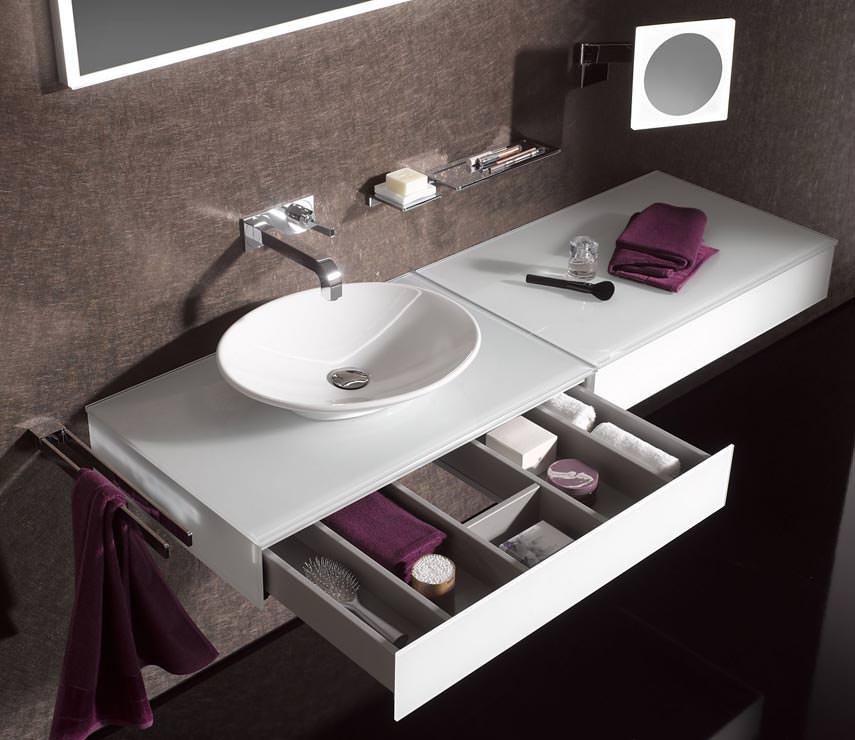 emco bad baut sein raumsystem asis rund um waschpl tze aus. Black Bedroom Furniture Sets. Home Design Ideas