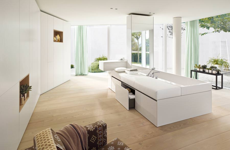 fusion von wand m bel badkeramik und sanit rtechnik bei der neuen rc40 generation. Black Bedroom Furniture Sets. Home Design Ideas