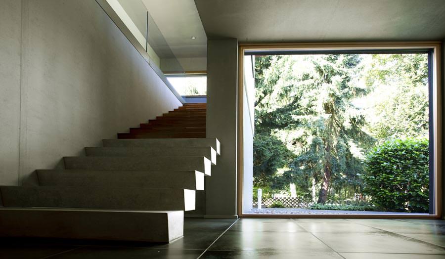 panoramafenster mit weitblick in form von aluminium holz hebe schiebe t ren. Black Bedroom Furniture Sets. Home Design Ideas