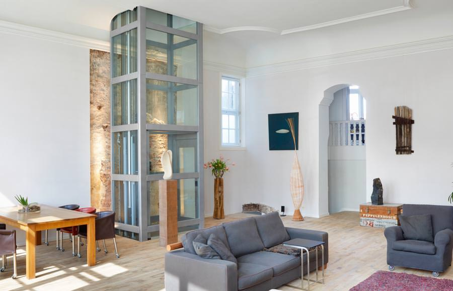 thyssenkrupp encasa optimiert seinen privataufzug he3. Black Bedroom Furniture Sets. Home Design Ideas