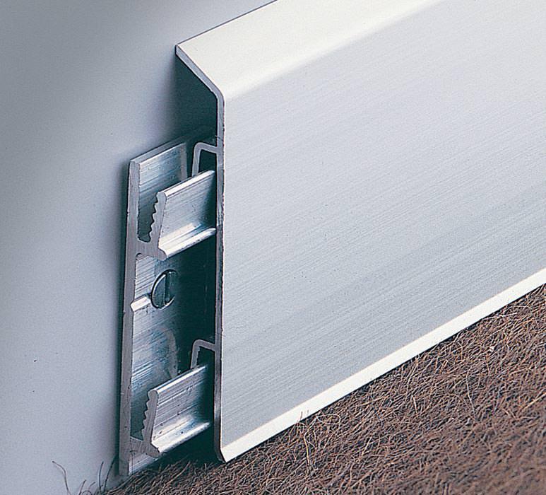 sockelleisten aus metall als alternative zu holzleisten. Black Bedroom Furniture Sets. Home Design Ideas