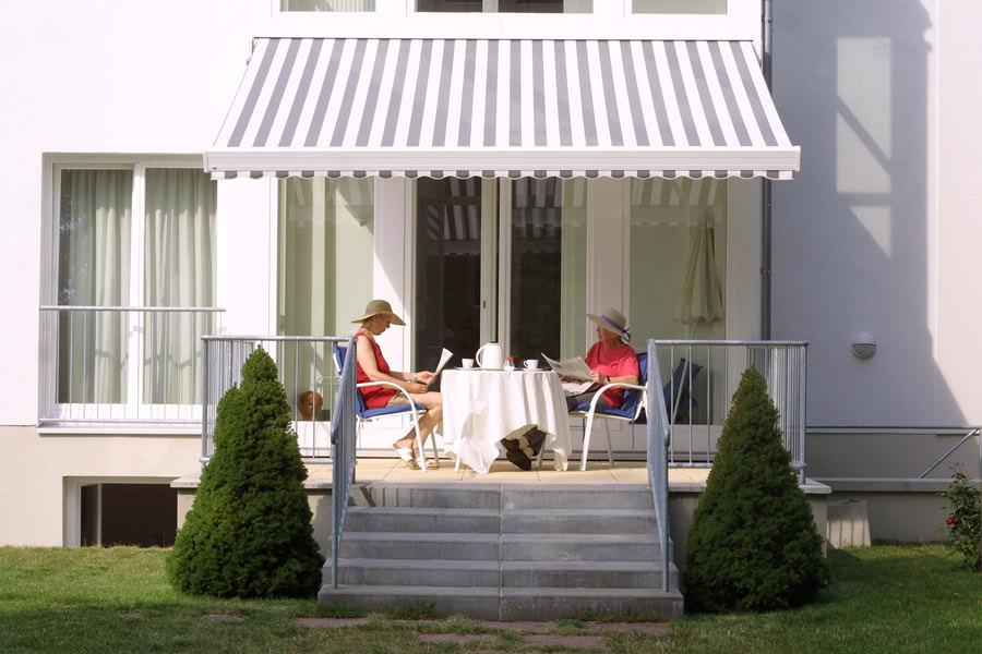 mit hausverkauf und leibrente den ruhestand absichern. Black Bedroom Furniture Sets. Home Design Ideas