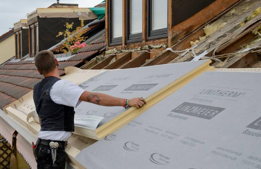 neues gaubensanierungssystem erm glicht gauben und dach aus einem guss. Black Bedroom Furniture Sets. Home Design Ideas