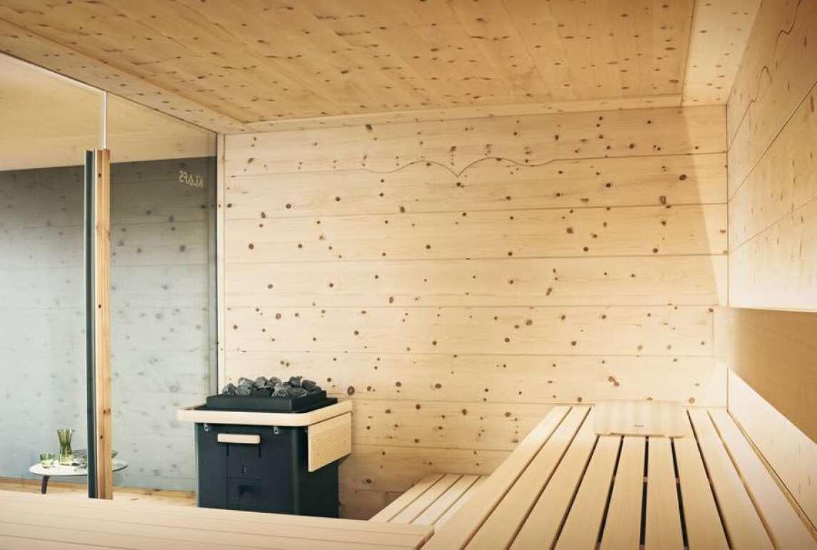 Chalet: Neue Sauna aus Zirbenholz zwischen Tradition und Moderne