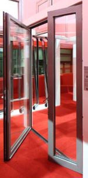 Wicona fenstert ren mit angepassten schwellen f r - Schallschutzfenster klasse 6 ...