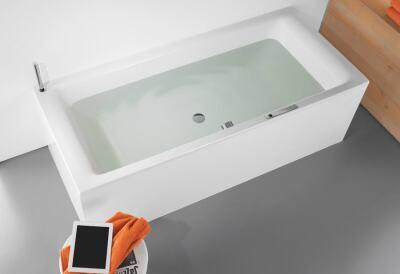 akustikwanne kaldewei sound wave nutzt die badewanne als. Black Bedroom Furniture Sets. Home Design Ideas