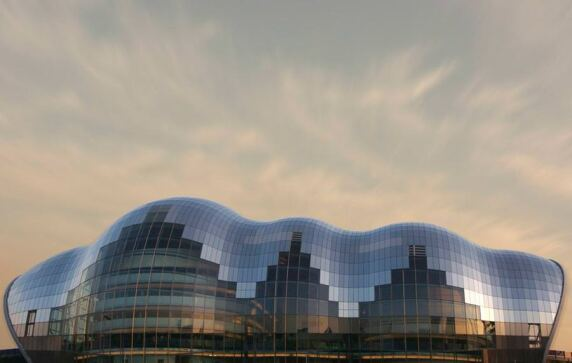 The Sage Gateshead im engl. Gateshead von Foster + Partners (© Ian Britton)