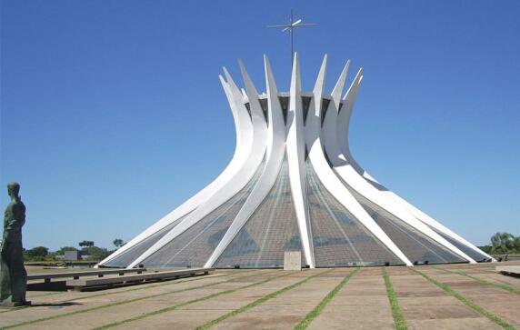 Catedral Metropolitana Nossa Senhora Aparecida (Brasilia) von Oscar Niemeyer © Charlie Skiddi