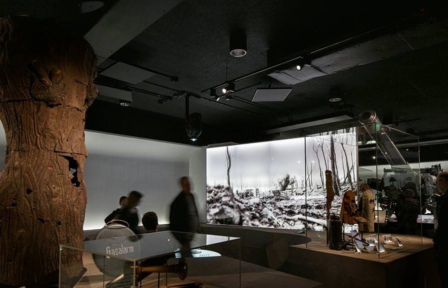 Matt schwarz leise schallschutz im kriegerischen museumsumbau la heradesign - Plafond geverfd zwart ...
