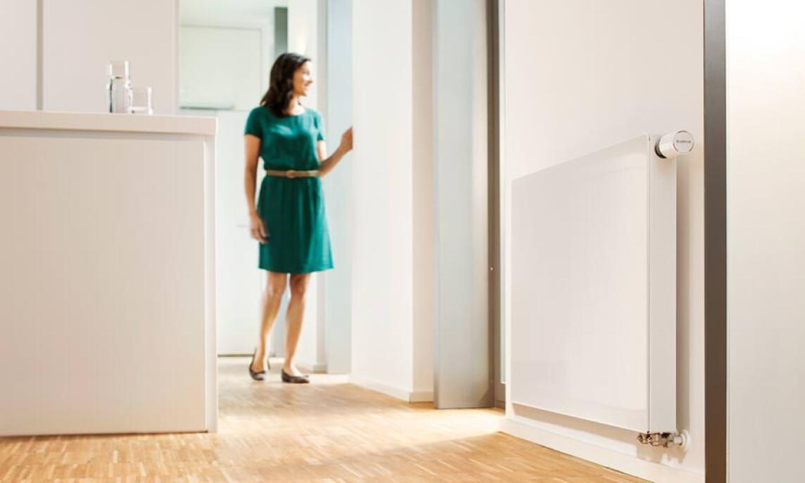 neue logatrend flachheizk rper von buderus mit verbesserter w rmeleistung logatrend plan und. Black Bedroom Furniture Sets. Home Design Ideas