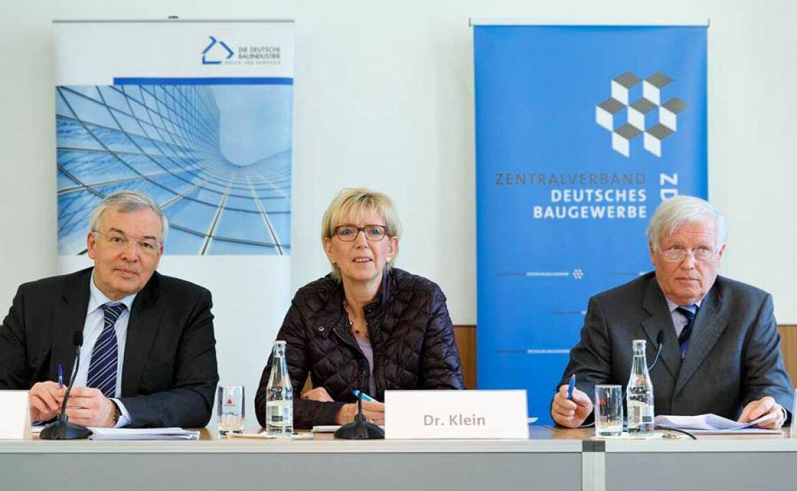 Prof. Thomas Bauer (HDB), Dr. Ilona Klein (ZDB) und Dr.-Ing. Hans-Hartwig Loewenstein (ZDB)