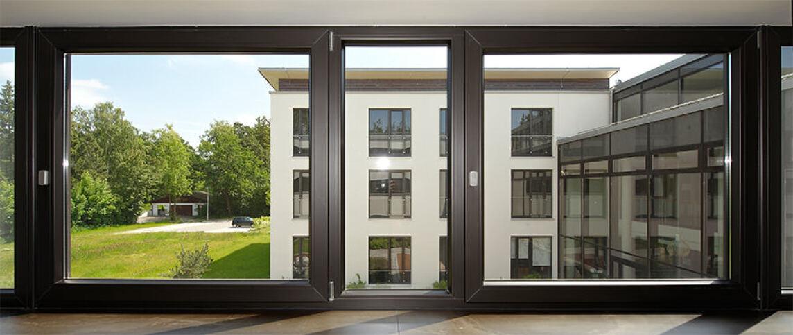 Sprossenfenster anthrazit  Anthrazitfarbener Grundkörper nun Standard bei Inoutic für ...